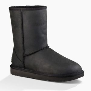 New UGG Classic Short Waterproof Boots Retail $220